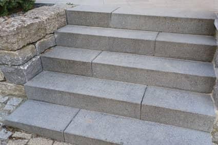 Blockstufen aus Granit