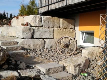 Gartengestaltung mit Natursteinen